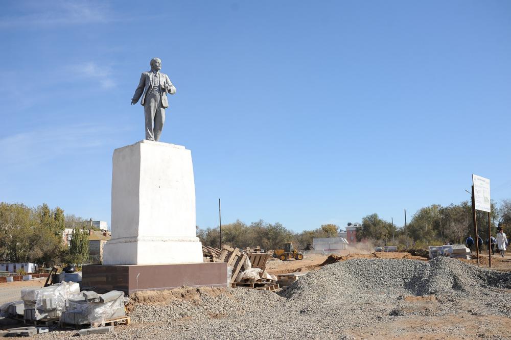 Успеют ли сдать в срок многострадальный парк в поселке Казачий?