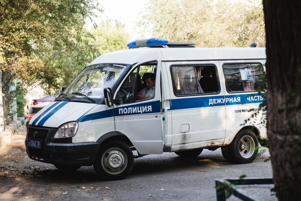 В Астрахани будут судить попавшегося на взятке полицейского
