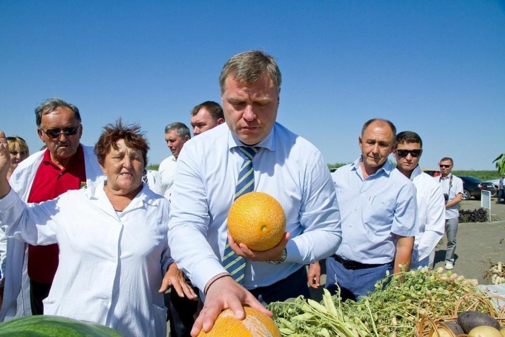 В Астраханской области вывели черные помидоры и яйцевидные баклажаны