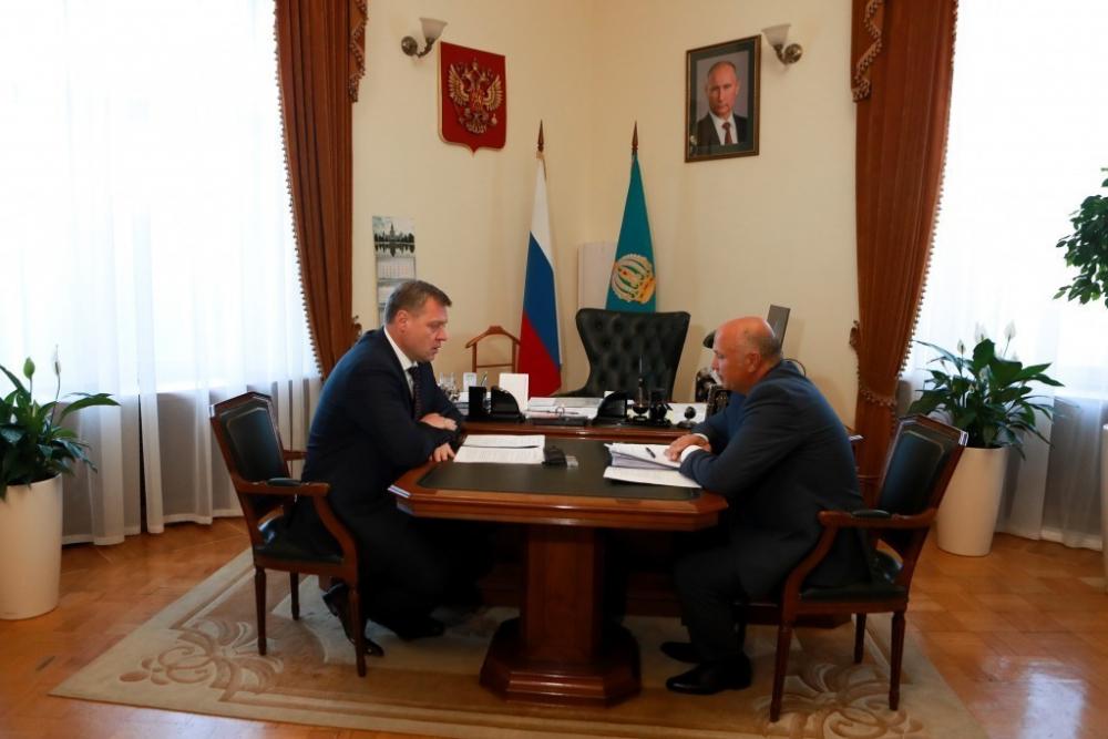 Игорь Бабушкин спросил с Радика Харисова, как решаются городские проблемы