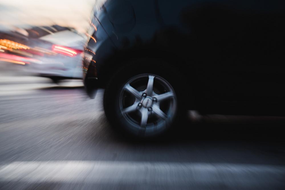 Под Астраханью пенсионер попал под колёса авто