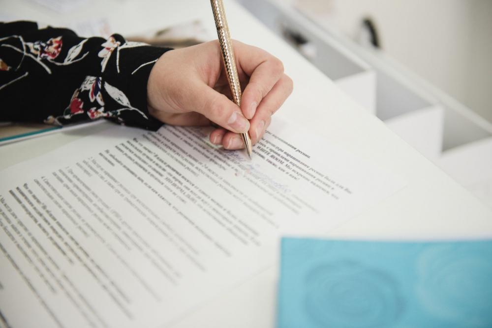 Астраханским школьникам, получившим 0 баллов из-за ручек, зачли результаты ЕГЭ