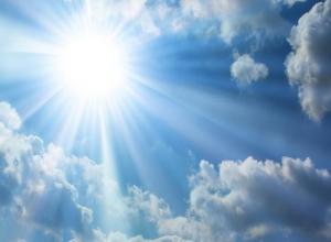 Пятница в Астрахани обещает быть солнечной и ветреной