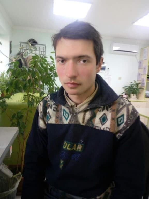Помогите вернуться домой: в Астрахани парень замерзает на улице