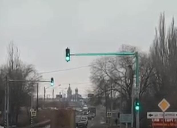 В Астрахани появились красочные светофоры
