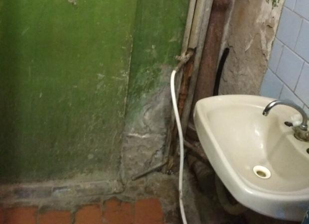 Туалет астраханской больницы прославился на всю страну