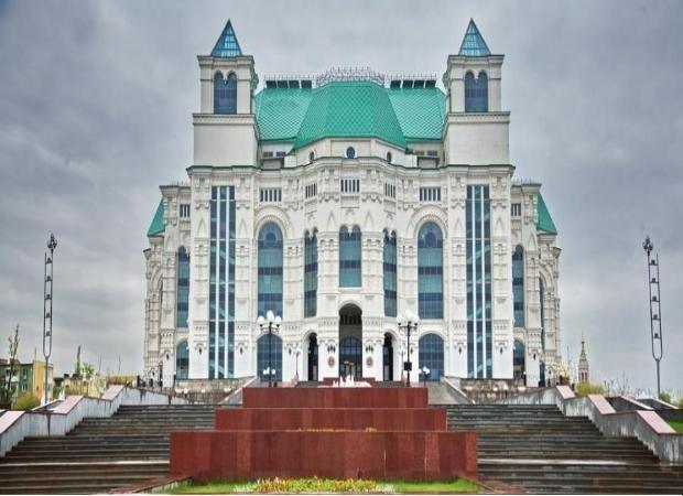 Астраханский Театр Оперы и Балета в своем репертуаре