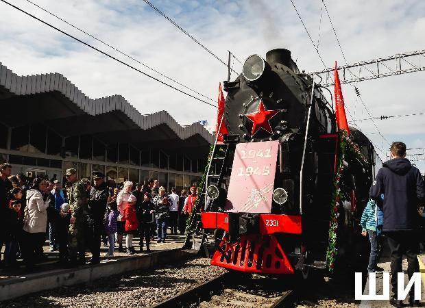 В Астрахани встретили поезд времен Великой Отечественной войны
