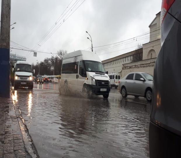 Астрахань снова «утонула» после затяжного дождя