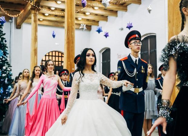 В Астраханском кремле состоялся юбилейный казачий кадетский бал