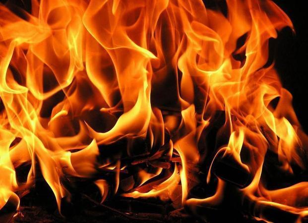В Астрахани на пожаре погибли два человека