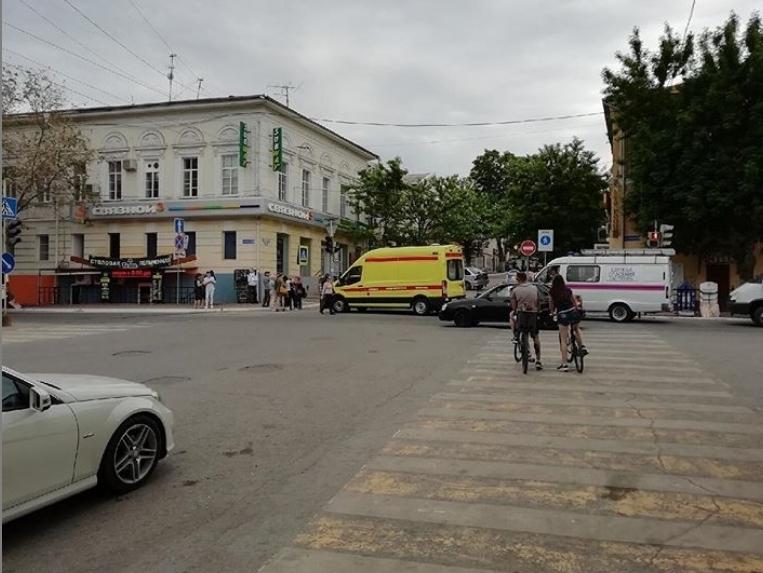 В центре Астрахани эвакуирован торговый центр