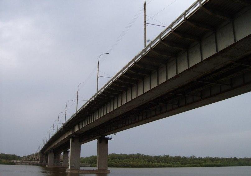 Астраханец спрыгнул с Нового моста, поругавшись с женой
