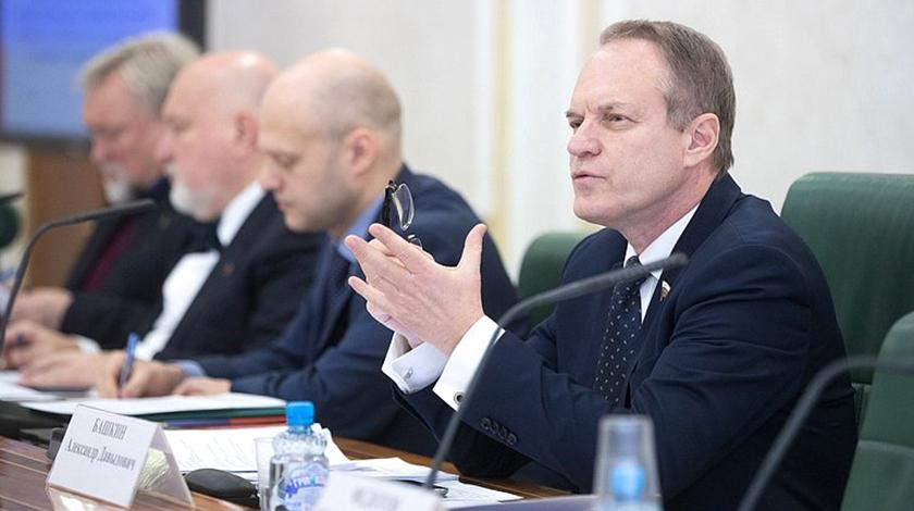 Александр Башкин останется сенатором от Астраханской области в Совете Федерации