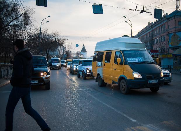 В Астрахани очередь на маршрутку попала на видео