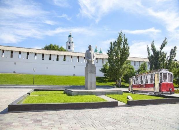 Астраханцы могут придумать новый памятник и получить за это деньги